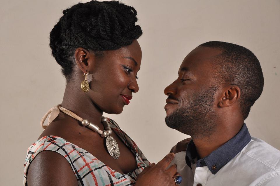 Znaki ljubezni pri ženskah in kako se spreminjajo skozi čas