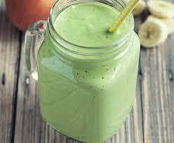 Zeleni smoothie za zajtrk s spirulino